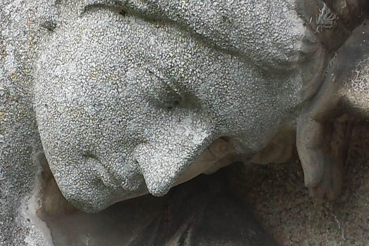 Estátua em pedra