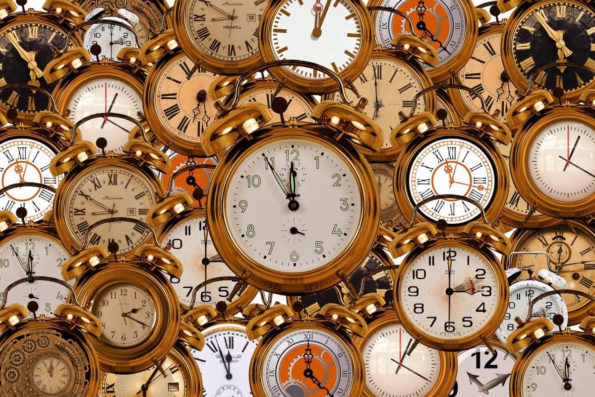 Relógios amontoados